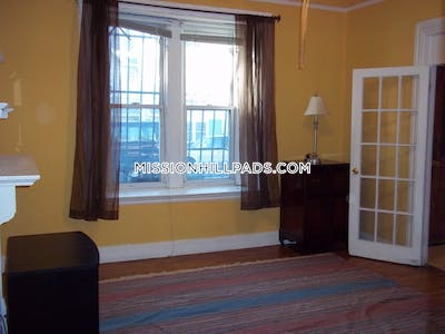 Mission Hill Spacious in awesome location! Boston - $4,100