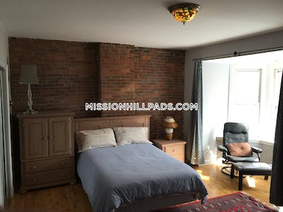 Mission Hill 3 Beds 2 Baths Boston - $4,600